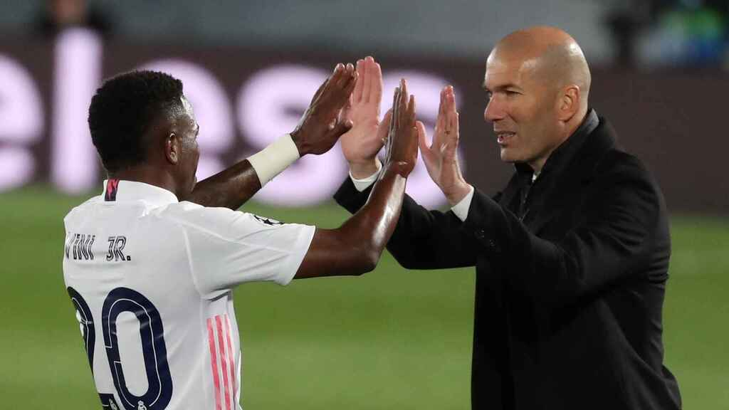 Vinicius y Zidane, durante un partido del Real Madrid