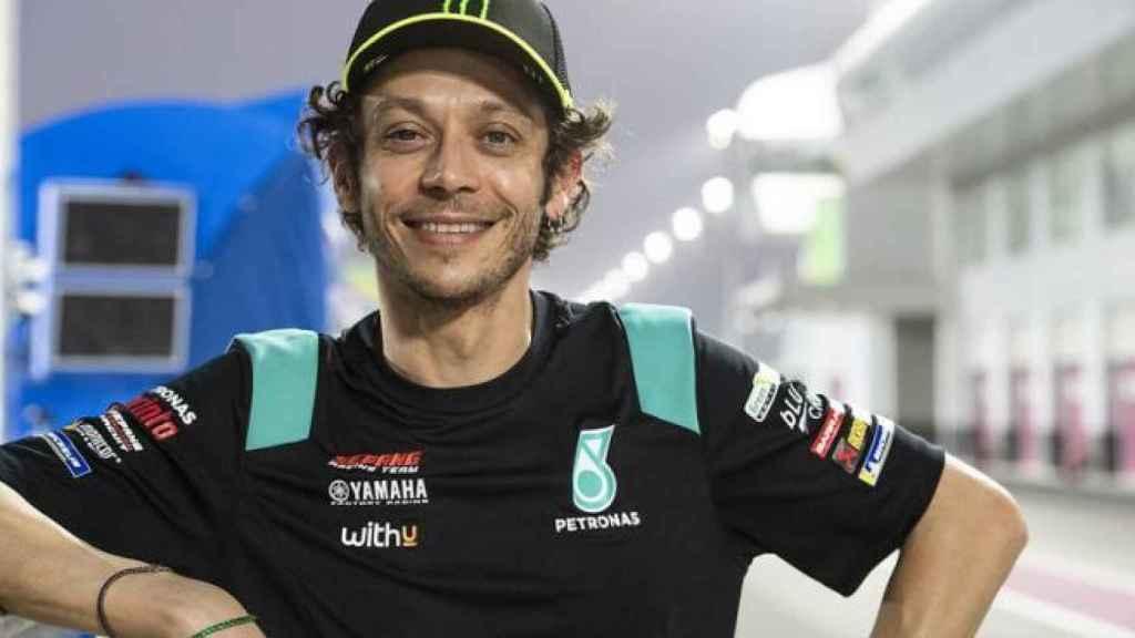 Valentino Rossi, en el pit lane de Losail