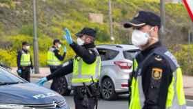 Control de la Policía Nacional durante el estado de alarma. Efe