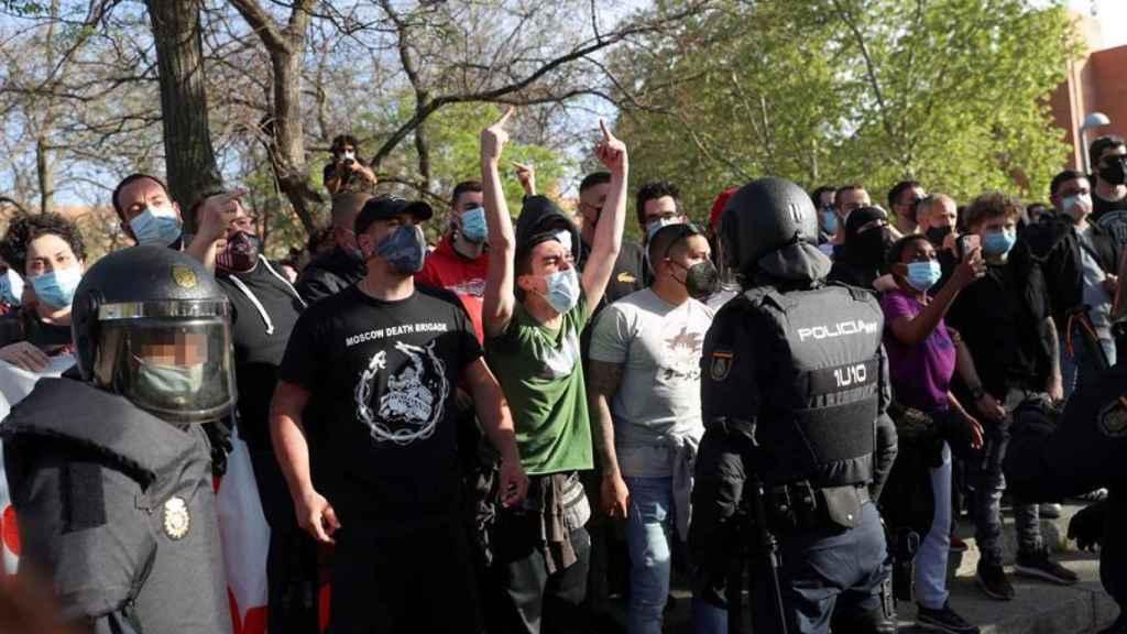 Vecinos de Vallecas convocan dos concentraciones en contra del acto de presentación de la candidatura de Rocío Monasterio.