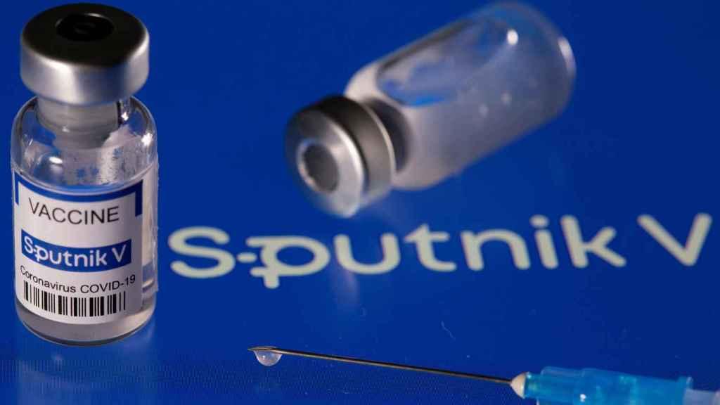 Viales de la vacuna rusa Sputnik V.