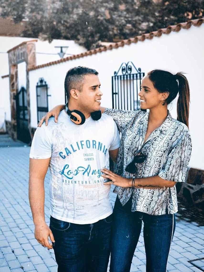 Gloria Camila siente devoción por su hermano, al que está muy unida.