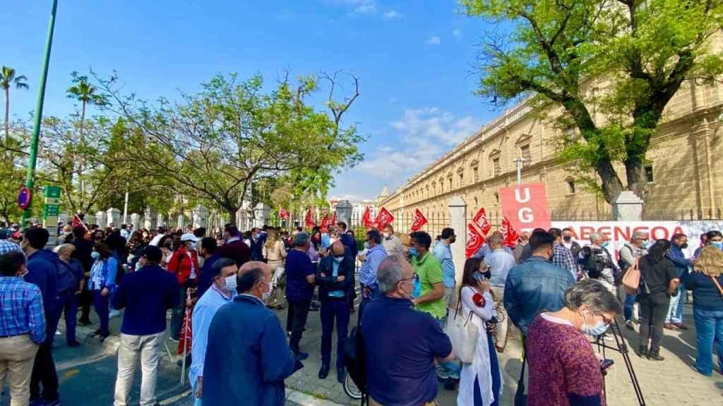 Concentración de trabajadores de Abengoa en Sevilla.