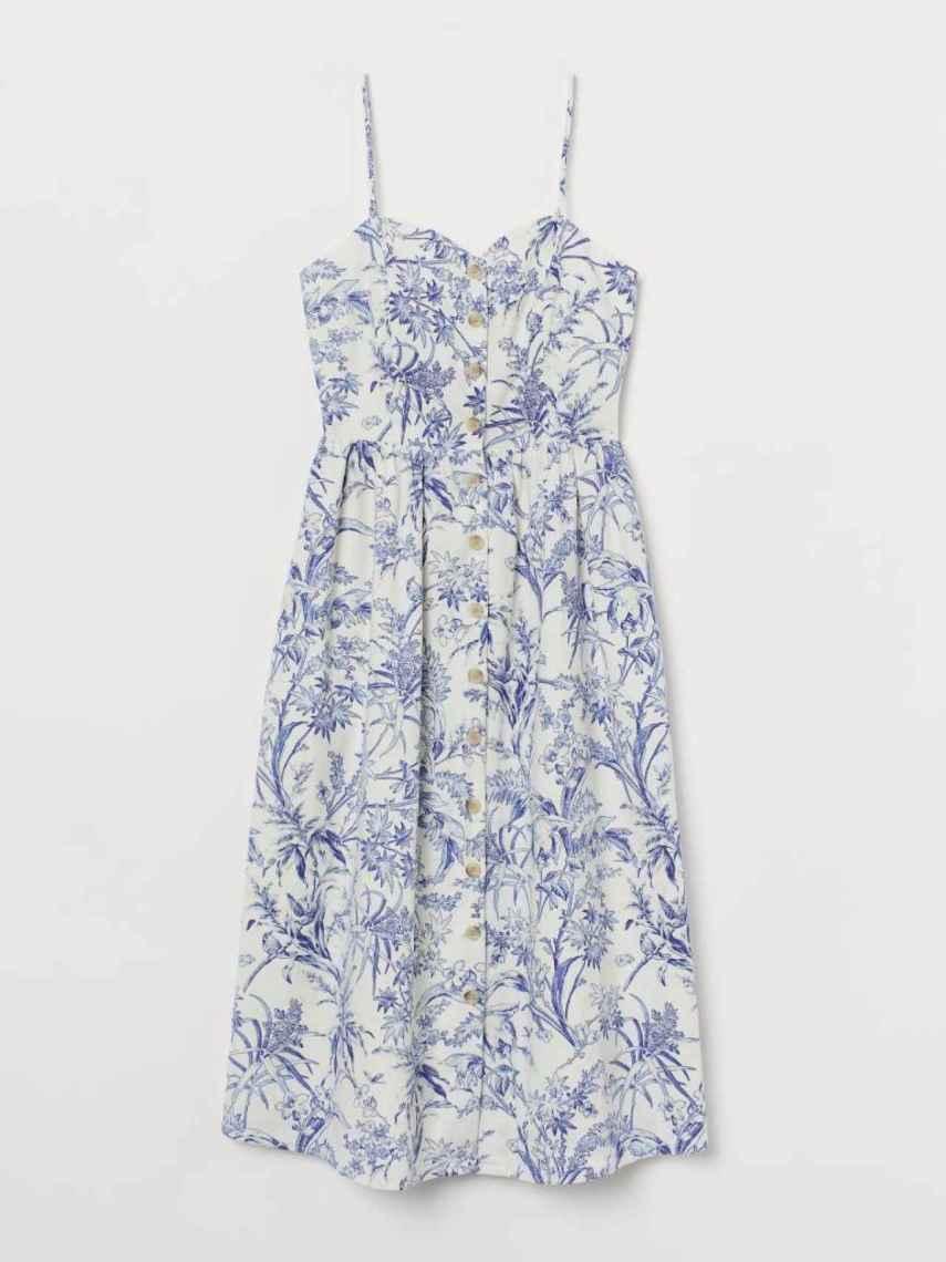 El vestido de tirantes en azul y blanco, inspirado en Meghan Markle.