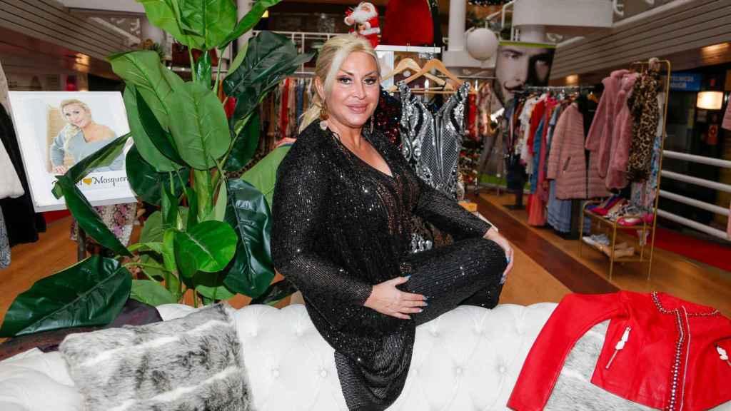 Raquel Mosquera en su tienda.