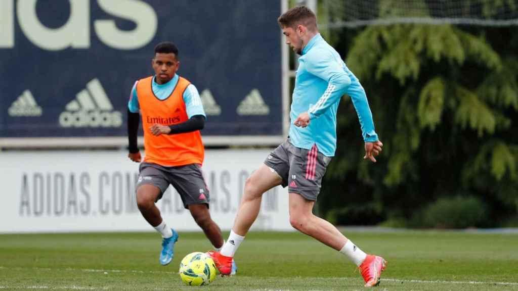 Rodrygo Goes y Fede Valverde, durante un entrenamiento del Real Madrid