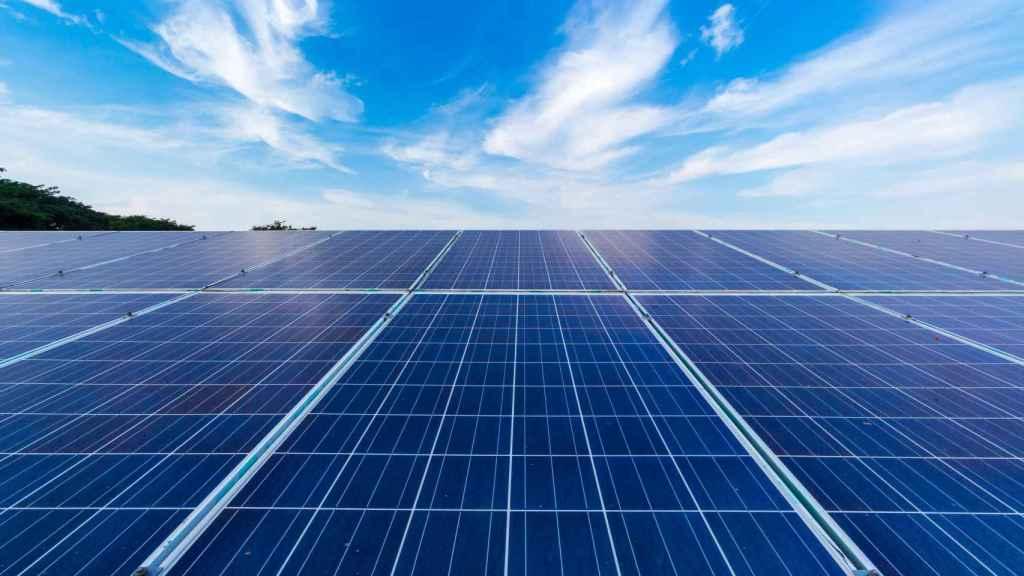 Endesa y Bridgestone instalan un 'megaproyecto' de autoconsumo: 9,2 MW de potencia