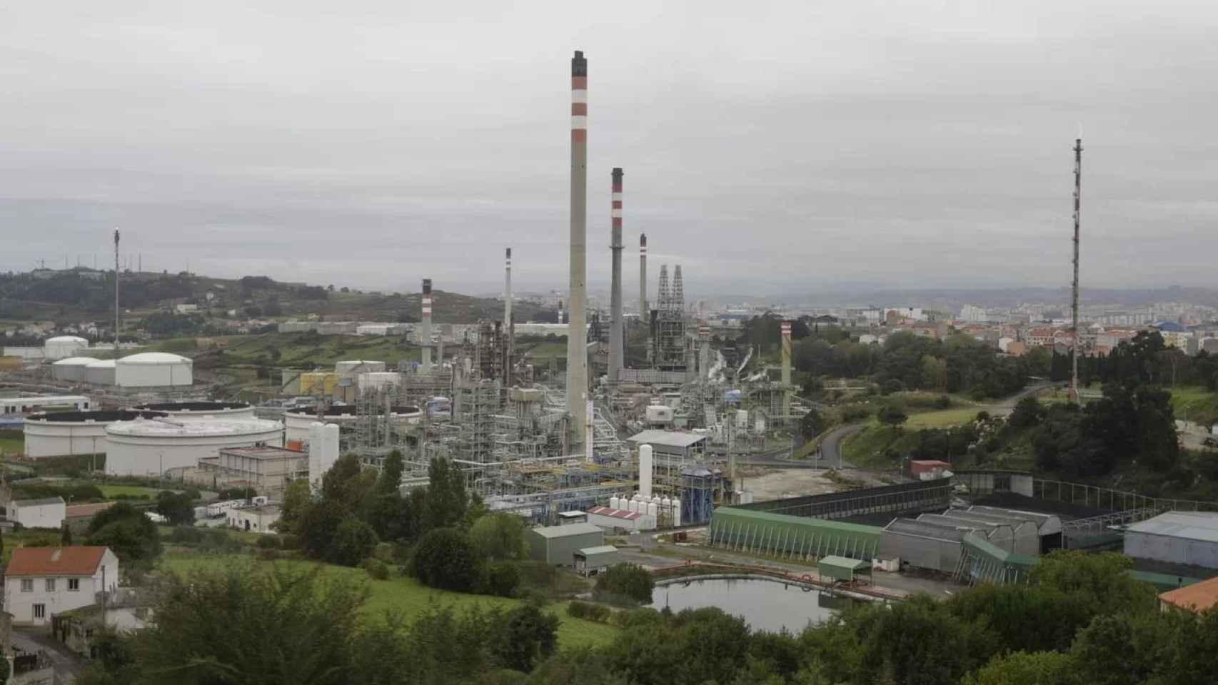 Repsol plantea un ERTE para el 31% de su plantilla en la refinería de A Coruña