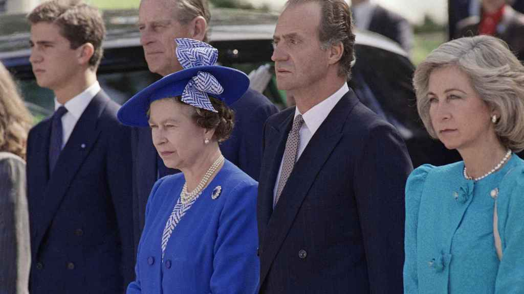 Isabel II durante uno de sus viajes oficiales a Madrid en 1988.