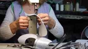 Las aparadoras sacan a la luz los trapos sucios del oficio de fabricar zapatos