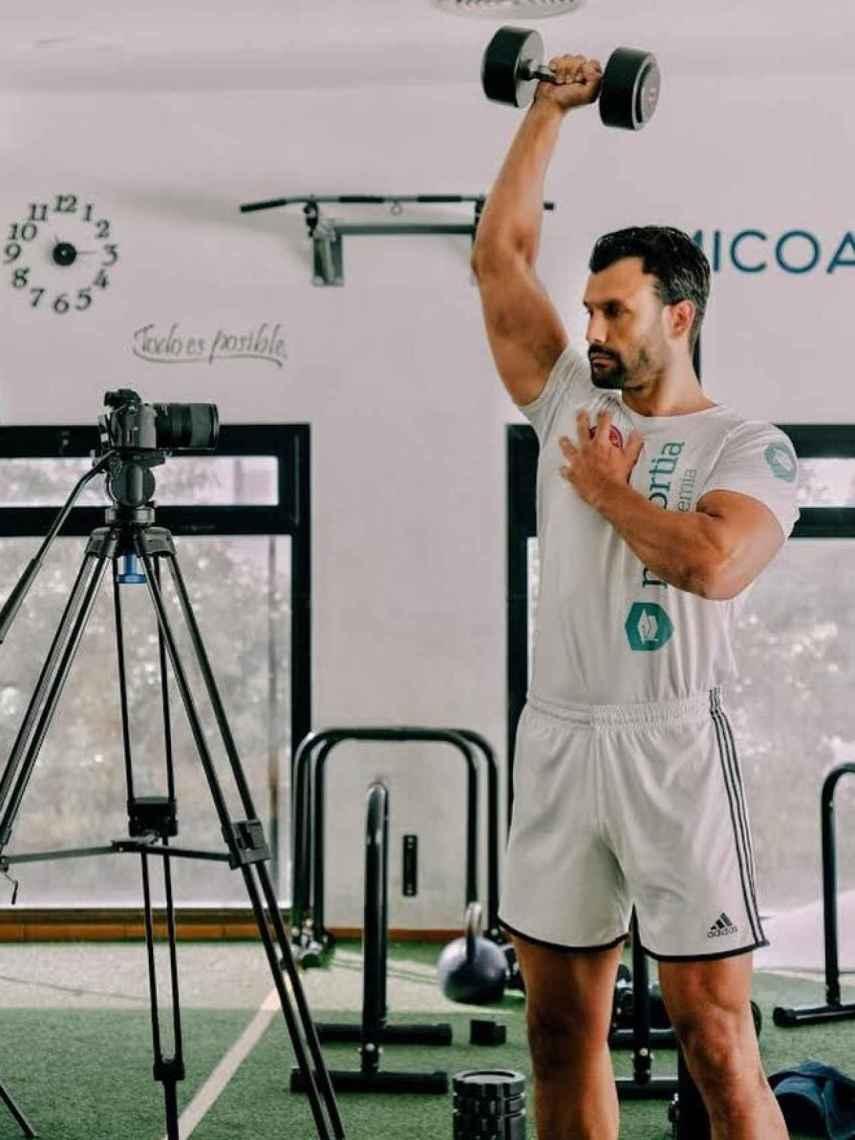 Jorge Pérez, ejerciendo de preparador físico en la academia de Prefortia, uno de sus trabajos actuales.