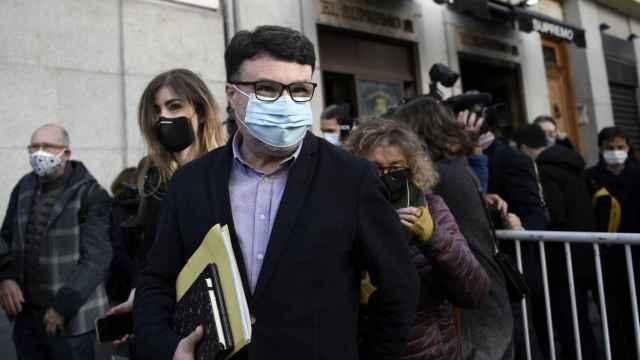 El dirigente de ERC Joan Josep Nuet a las puertas del Tribunal Supremo.
