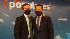El líder nacional del PP, Pablo Casado, y el presidente andaluz, Juanma Moreno, este viernes en Granada.
