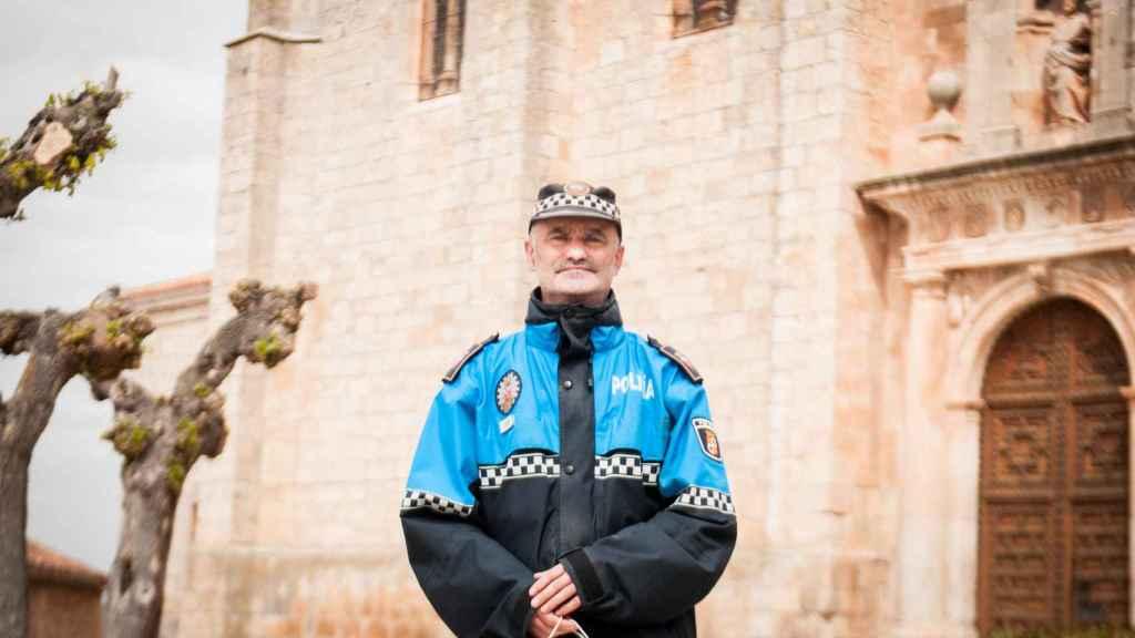 Alberto Núñez, uno de los dos únicos policías locales de Lerma (Burgos).