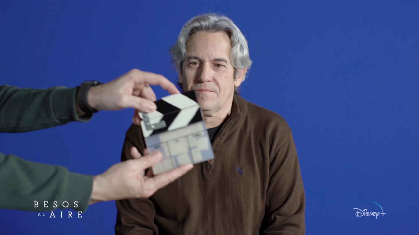 Iñaki Mercero, director de 'Besos al aire', nos cuenta todos los secretos de la primera serie española de Disney+