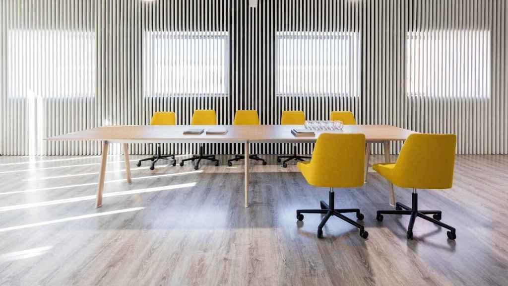 Mesa 'Radial' y silla 'Alya' de Andreu World. EE