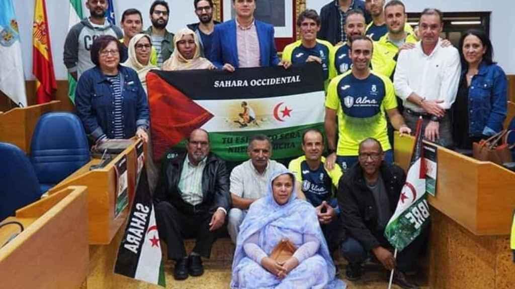 Juan Cala junto a miembros de la plataforma pro-saharaui que él lidera. Aparece el tercero por la derecha.