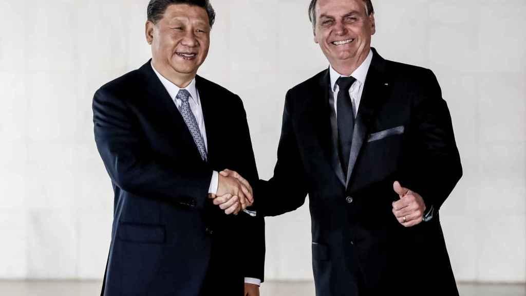 Xi JInping junto a Jair Bolsonaro.