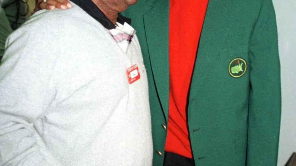 Tiger Woods y Lee Elder