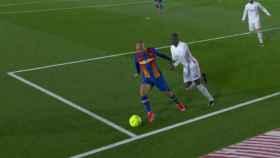 El Barça pidió penalti de Mendy a Braithwaite