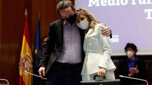 Pablo Iglesias y Yolanda Díaz, durante el traspaso de cartera.