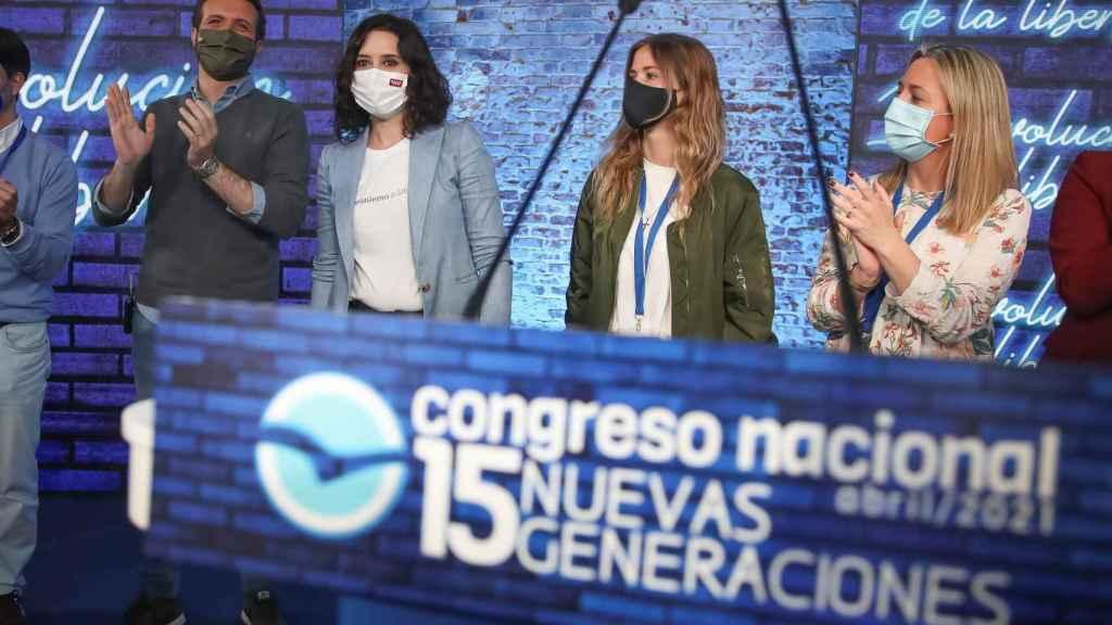 Pablo Casado, Isabel Díaz  Ayuso, Bea Fanjul y Ana Camins, líder del PP madrileño, en el congreso de NNGG del PP.