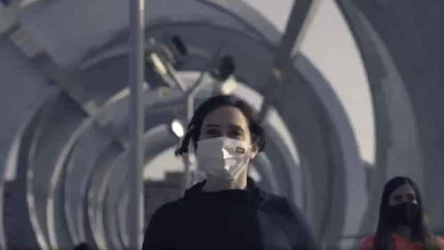 Fotograma del vídeo promocional de la campaña de Ayuso.