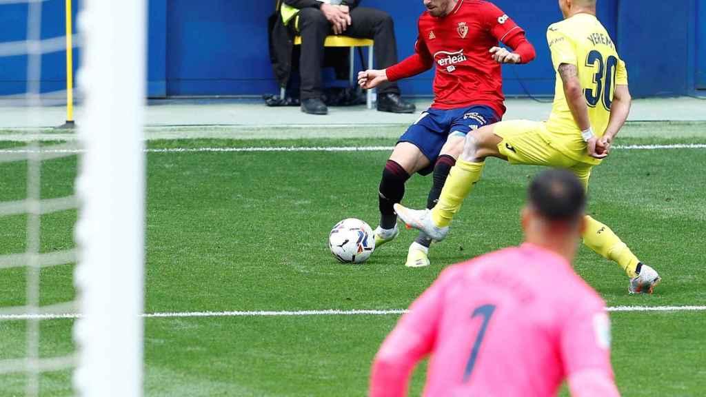 Kike Barja y Yeremi Pino, durante el Villarreal - Osasuna