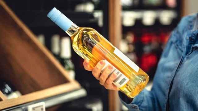 Los supermercados se ponen las pilas para ofrecer vinos baratos de calidad.