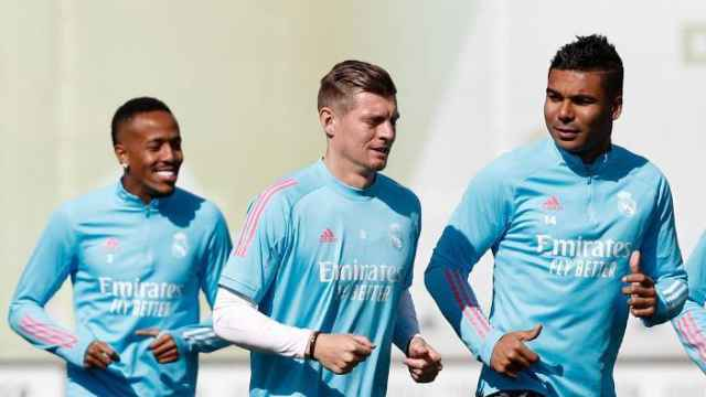 Kroos le da una buena noticia a un Zidane que empieza a pensar en el Liverpool