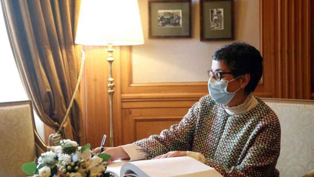 Arancha González Laya,  ministra de Asuntos Exteriores, en su viaje a Letonia la pasada semana.