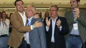 El presidente del PP en Almería, Gabriel Amat, en una imagen de archivo con Juanma Moreno.