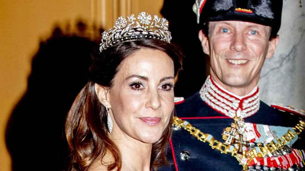 Marie y Joaquín de Dinamarca, durante una recepción con la Casa Real danesa.