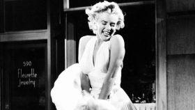 Marilyn Monroe en su mítica escena de 'La tentación vive arriba'.