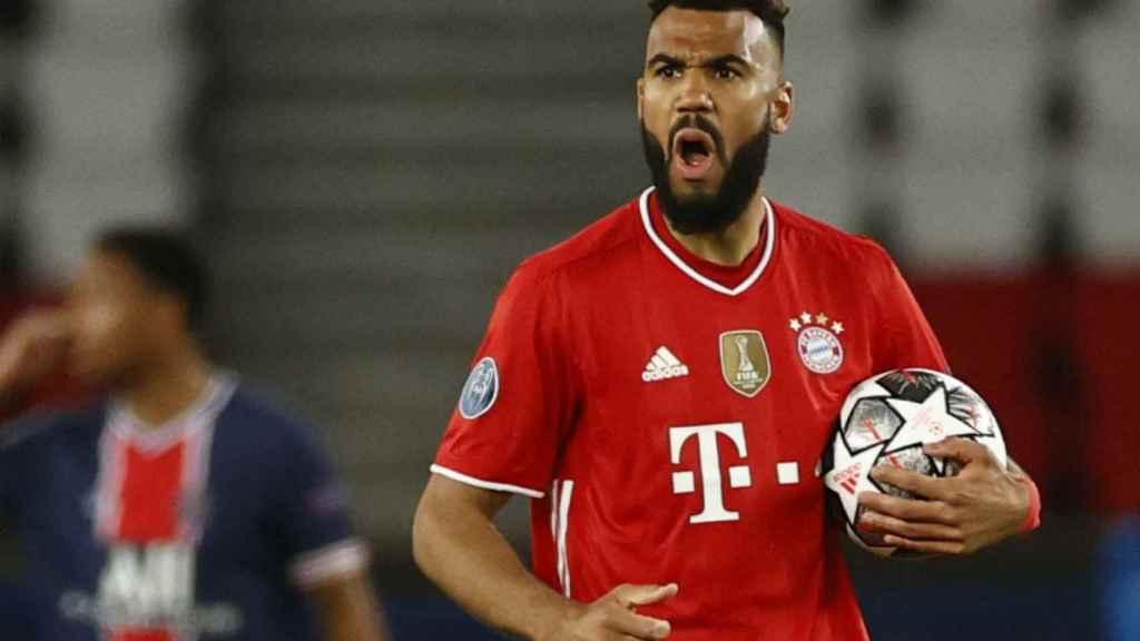 Choupo-Moting celebra su gol con el Bayern Múnich en París