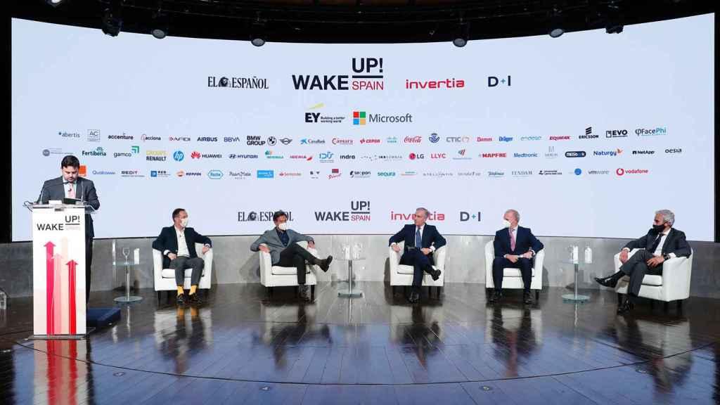 La industria del automóvil y su evolución hacia una movilidad sostenible, el coche eléctrico, la conectividad y la digitalización han sido uno de los puntos clave en la segunda jornada del 'Wake Up, Spain!'.