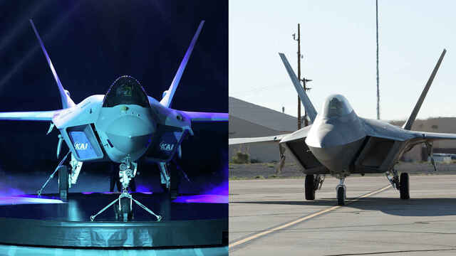 KF-21 (izq.) y F-22 Raptor (der.)