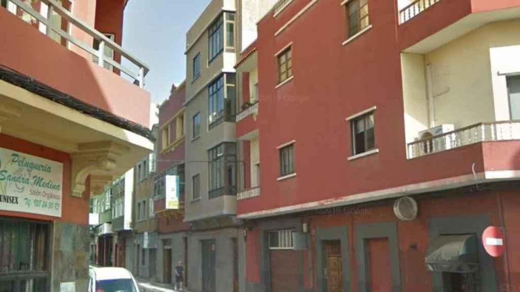 El número 34 de la calle Pérez de Toro, donde ocurrieron los hechos.