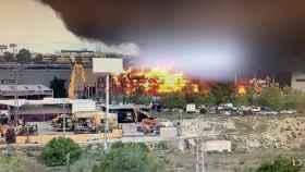 Imagen de la columna de humo del incendio de Seseña.