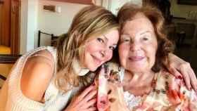 Ana Obregón, junto a su madre, en una imagen compartida en su perfil de Instagram.