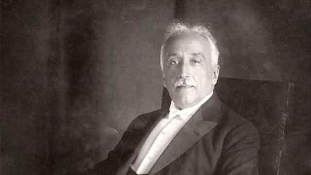 El primer retrato oficial del primer presidente de la II República española, obra del pintor Carlos Ruano Llopis.