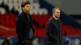 Pochettino y Hans Flick, durante el PSG - Bayern