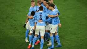 Los jugadores del Manchester City celebran un gol