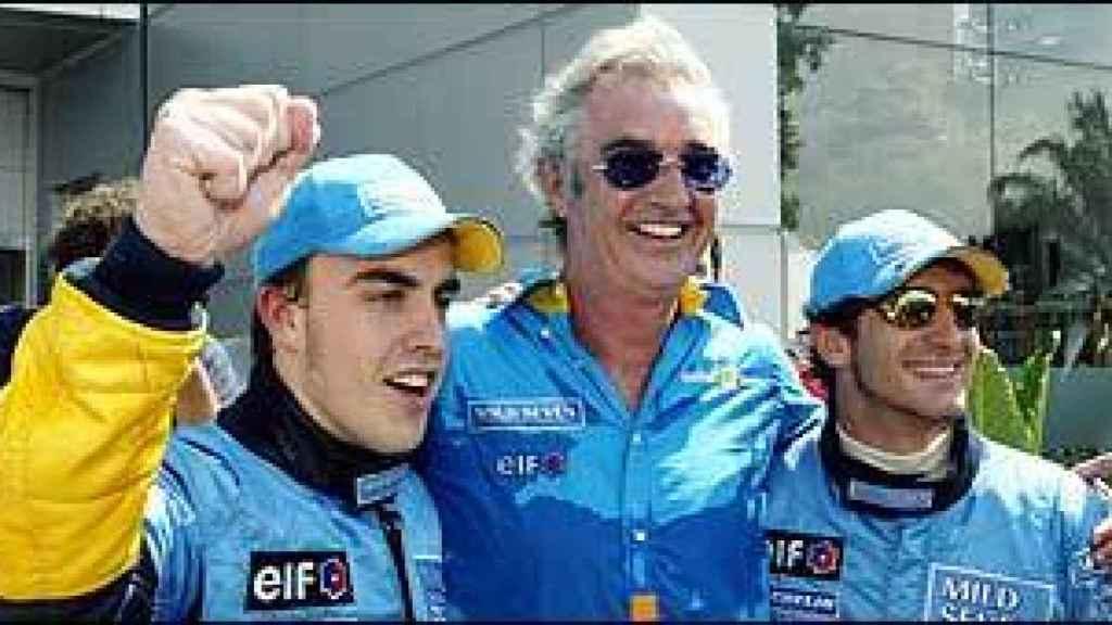 Flavio Briatore junto a Fernando Alonso y Jarno Trulli