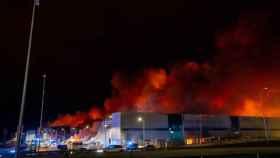 Incendio en tres naves industriales de Seseña. Foto: EUROPA PRESS / DAVID CASERO - MOSS VOODO -