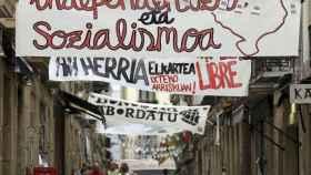 Carteles a favor de ETA en San Sebastián.