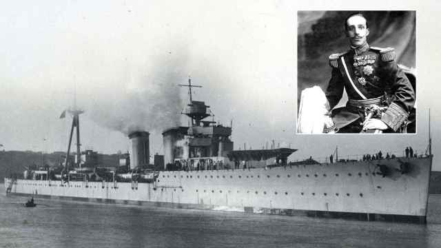 El crucero Príncipe Alfonso en el que zarpó rumbo al exilio Alfonso XIII.