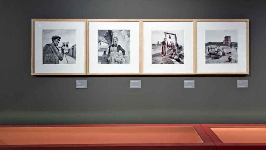 Cuatro de las fotografías de Nicolás Muller incluidas en la exposición 'La mirada comprometida'.