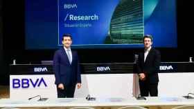 Jorge Sicilia, director de BBVA Research y economista jefe de BBVA, y Rafael Doménech, responsable de Análisis Económico.