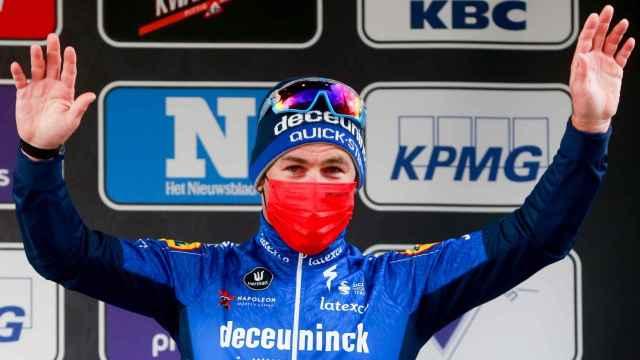 Mark Cavendish, en el podio de una prueba esta temporada
